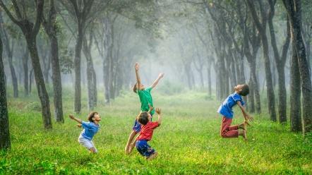 kids-in-field.jpg